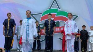 Выставку автомобилей и турнир по волейболу устроили на «Марафоне здоровья» в Зеленодольске