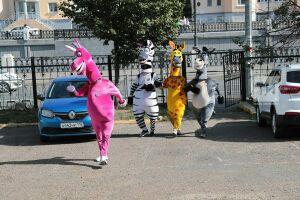 Осел, зебра, единорог и жираф с Баумана проголосовали на выборах депутатов Госсовета РТ