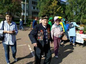 Житель Камского Устья приехал проголосовать на раритетной «Волге» 1965 года выпуска