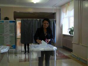 Заслуженная артистка РТ Диляра Мироваева одной из первых проголосовала в Елабужском районе