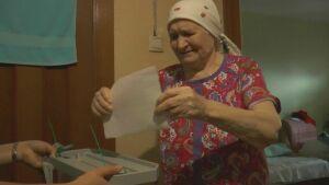 В Высокогорском районе проголосовала 107-летняя долгожительница