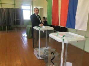 Из-за высокой явки избирателей на участках Мамадыша выстроились очереди