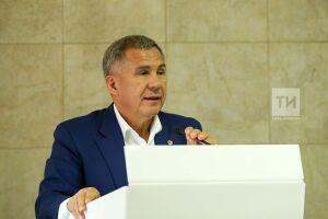 Рустам Минниханов проголосовал на выборах депутатов Госсовета РТ с помощью «Мобильного избирателя»