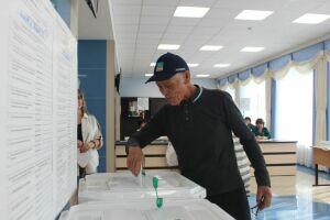 Покоритель Северного полюса Фидус Асхадуллин принял участие в выборах Госсовета РТ
