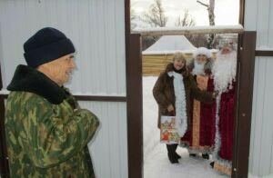 Ветеранов Елабужского района поздравили с Новым годом необычным способом