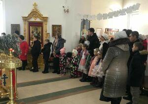 В Храме Пресвятой Троицы села Усады провели Рождественскую елку