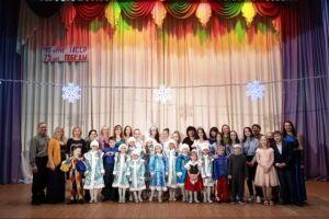 Юные принцессы пригласили на бал и ужин при свечах детей из Лаишевского детского дома