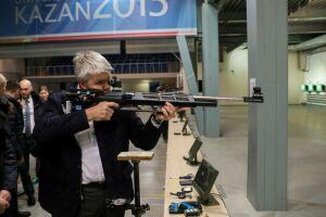Глава Минспорта РФ поучаствовал в тренировке в стрелковом комплексе Казани