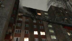 Из девятиэтажки в Нижнекамске из-за пожара спасены четверо детей и девять взрослых