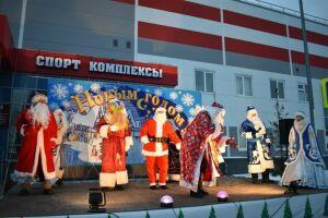 Парад Дедов Морозов в Верхнем Услоне претендует на 1 млн рублей