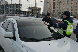 Автоинспекторы оштрафовали 36 казанских водителей тонированных автомобилей