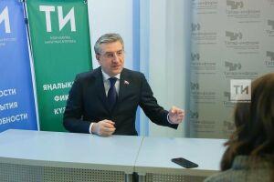 Фаррахов будет модерировать дискуссию с участием министра здравоохранения России