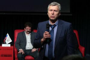 Тузиков: Запрет заграничного вида на жительство вызовет недовольство у чиновников
