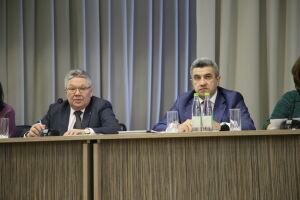 Рафис Бурганов заявил о необходимости проводить беседы со школьниками о вреде снюсов