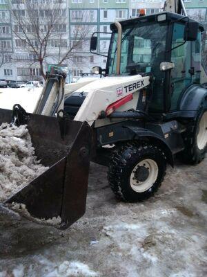 «Несла детей до садика на руках»: в Автограде ликвидируют последствия снегопада