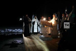 «Крещение – таинство, установленное Богом»: Феофан провел праздничную службу в Раифе
