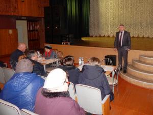 Жители Камских Полян попросили оборудовать дворы видеонаблюдением и парковками