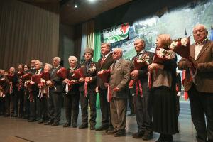 Медали «100 лет образования ТАССР» удостоены 28 челнинцев