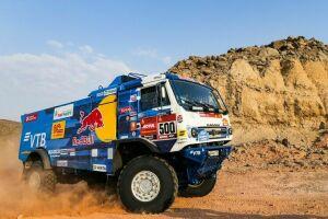 Антон Шибалов из «КАМАЗ-Мастера» победил в первом этапе «Дакара» в зачете грузовиков