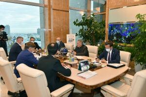 Минниханов обсудил вопросы информатизации с руководством НИИ «Восход»