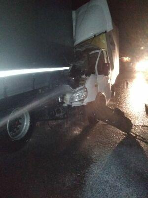 На трассе в РТ водитель «ГАЗели» уснул за рулем и протаранил фуру