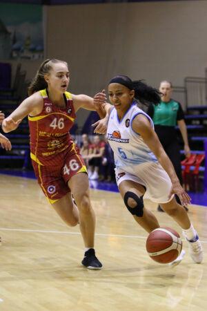 Баскетболистки «Казаночки» одержали третью подряд победу в новом сезоне