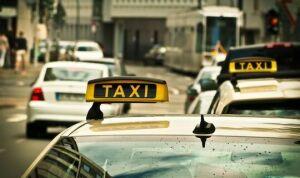 В Казани появились такси с обеззараживающими устройствами