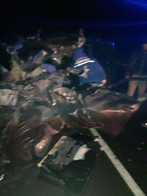 Водитель внедорожника погиб, влетев на скорости под «КАМАЗ» в Татарстане
