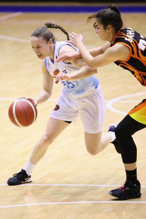 Баскетболистки «Казаночки» уступили в гостях после четырех побед на старте сезона
