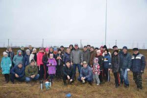 В Агрызе высадили 100 молодых сосен в честь векового юбилея ТАССР