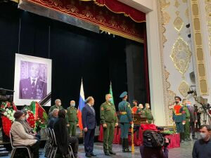 В Казани началась церемония прощания с Борисом Кузнецовым