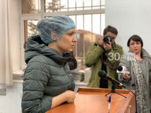 Изрезавшую семилетних близнецов мать из Казани отправили в психбольницу