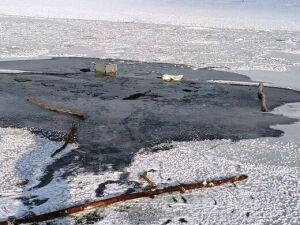На Каме в Татарстане очевидец спас пьяного рыбака, провалившегося под лед
