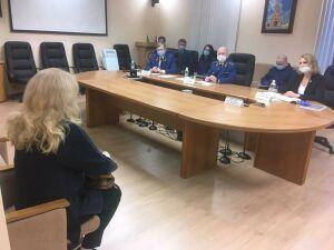 Илдус Нафиков ответил татарстанцам на вопросы о школьном питании и алиментах