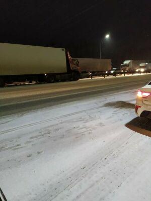 Дальнобойщик получил тяжелые травмы после ДТП с грузовиком на трассе в РТ