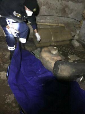 В Казани спасатели вынесли мужчину в тяжелом состоянии из подвала