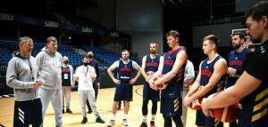 Баскетболист сборной России и член делегации сдали подозрительные тесты на ковид