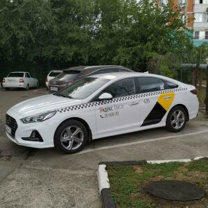 Яндекс откликнулся на жалобу челнинки, чьих трех детей таксист высадил на полпути