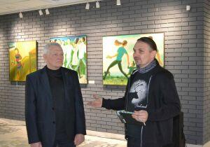 В Челнах открылась выставка художника-философа Виктора Анютина