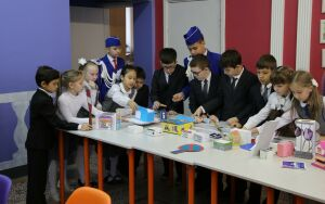 Казанские школьники на открытом уроке рассказали о правилах поведения на дороге