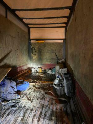Аккумулятор загорелся в кузове грузовика в центре Казани