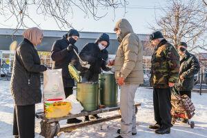 В Казани возобновили раздачу горячих обедов нуждающимся