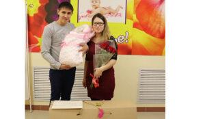 В Алькеевском роддоме в этом году 12 семьям подарили «Коробку малыша»