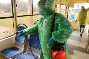 В Челнах ежедневно фотографируют уборку трамваев и подъездов