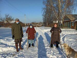 Сельчане Верхнеулонского района укрепляют здоровье с помощью скандинавской ходьбы