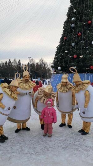 Шествие ростовых кукол устроили уличные артисты Альметьевска