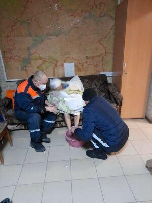 В Татарстане спасли пожилую женщину, которая мерзла на обочине в летнем халате