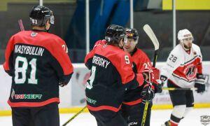 Хоккейный «Нефтяник» обыграл красноярский «Сокол»