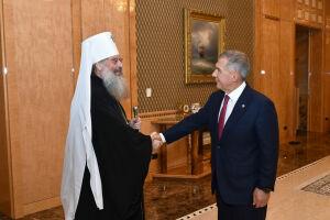 Рустам Минниханов поздравил митрополита Кирилла с назначением