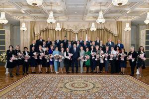 «Ваш труд – залог развития региона»: Песошин вручил награды 40 жителям Татарстана